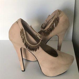 Herstyle sz 7 Nude Suede Platform Ankle Strap Heel